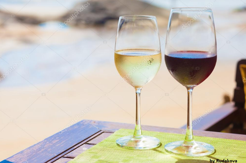 white or red wine.png